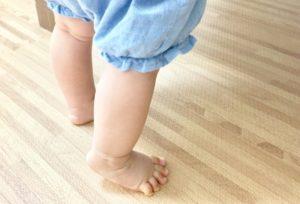 騒音と感じられトラブルになってしまう赤ちゃんの足音