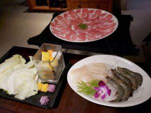 中山駅 無老鍋 肉 海鮮 野菜